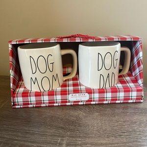 """Rae Dunn """"Dog Mom"""" """"Dog Dad"""" Mug Set"""